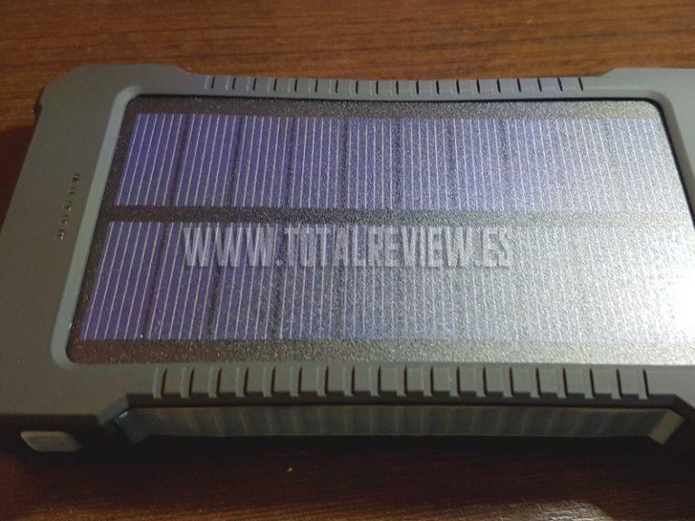 Review NEGATIVA de cargador solar de móvil de Amazon: ¿Pero esto qué es?