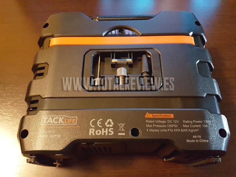 compresor de aire portátil TackLife con accesorios