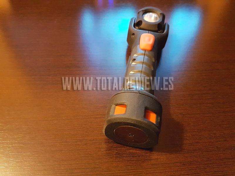 Linterna LED táctica