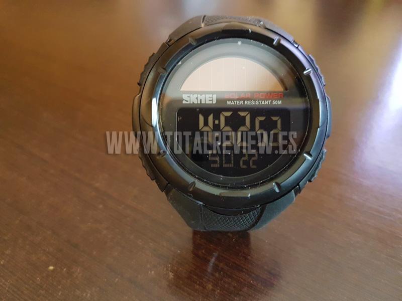 Reloj digital solar de pulsera